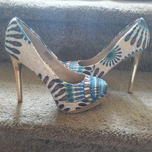 😛3/20 Zigigirl peacock size 6 heels